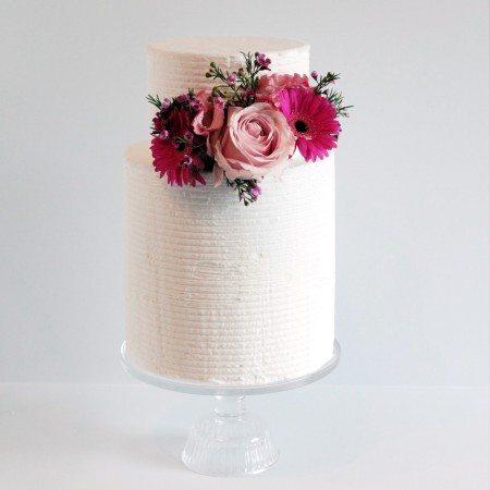 Bruidstaart Dubbel barrel Icing en bloemen 07