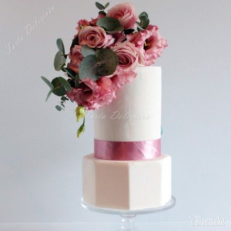 Bruidstaart Basic Cake Line Hexagon met Side Topper