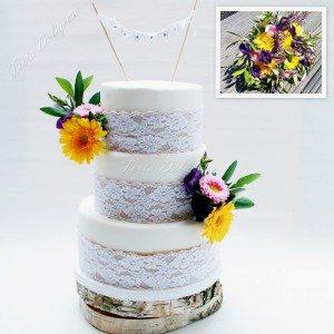 Bruidstaart Burlap en kant met verse bloemen