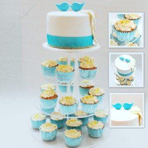 Bruidstaart aansnijtaart met cupcakes love birds