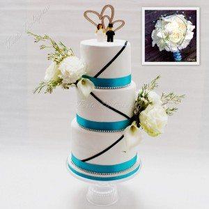 Bruidstaart Basic line met verse bloemen en logo topper