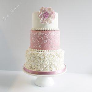 Bruidstaart old pink fantasie bloem Icing