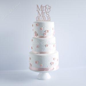 Bruidstaart bloesem en icing dots