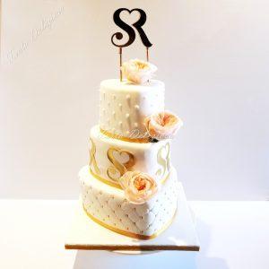 Harten taart met monogram goud